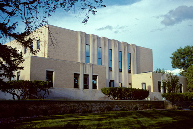 640px-Stark_County_Courthouse,_Dickinson