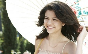 Selena-Gomez-People-Shoot-without-Makeup-selena-gomez-25864779-625-416