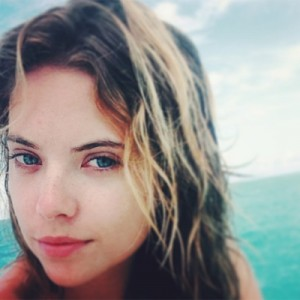 ashley-benson-no-make-up