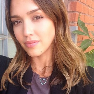 celebrities-natural-makeup-jessica-alba