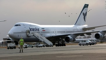 150904161300-iranian-air-boeing-747-super-169