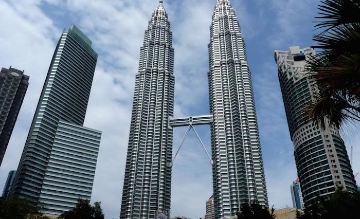 the_petronas_twin_towers_in_kuala_lumpur_malaysia